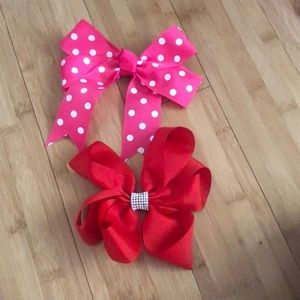 $4 each!Assorted bows💕